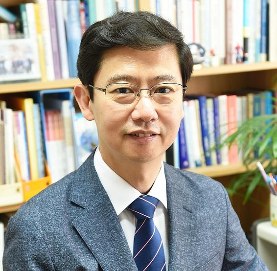 이윤환 교수